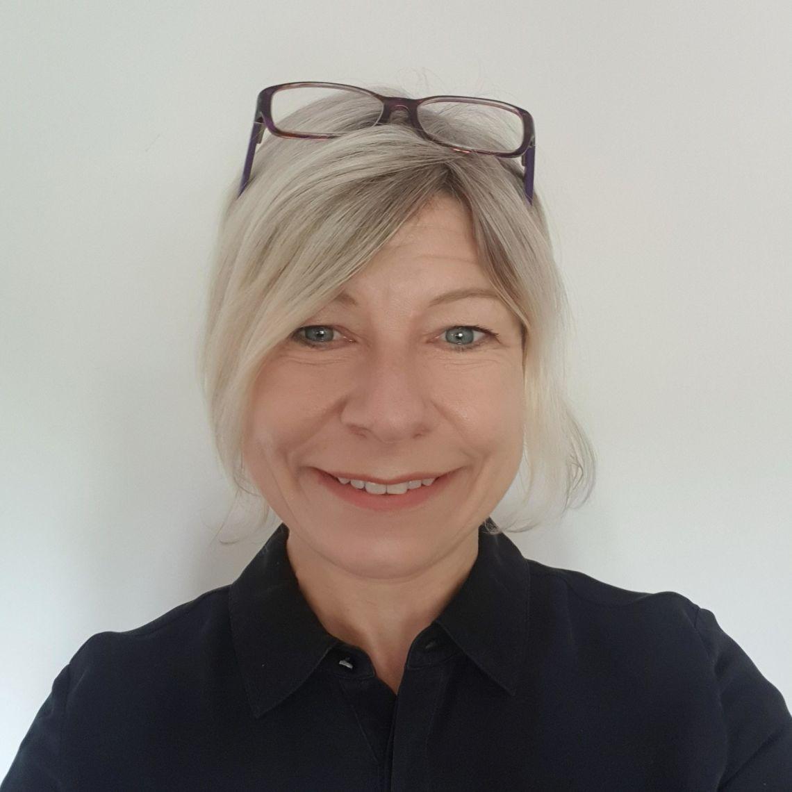 Associate Professor Louise Linsell