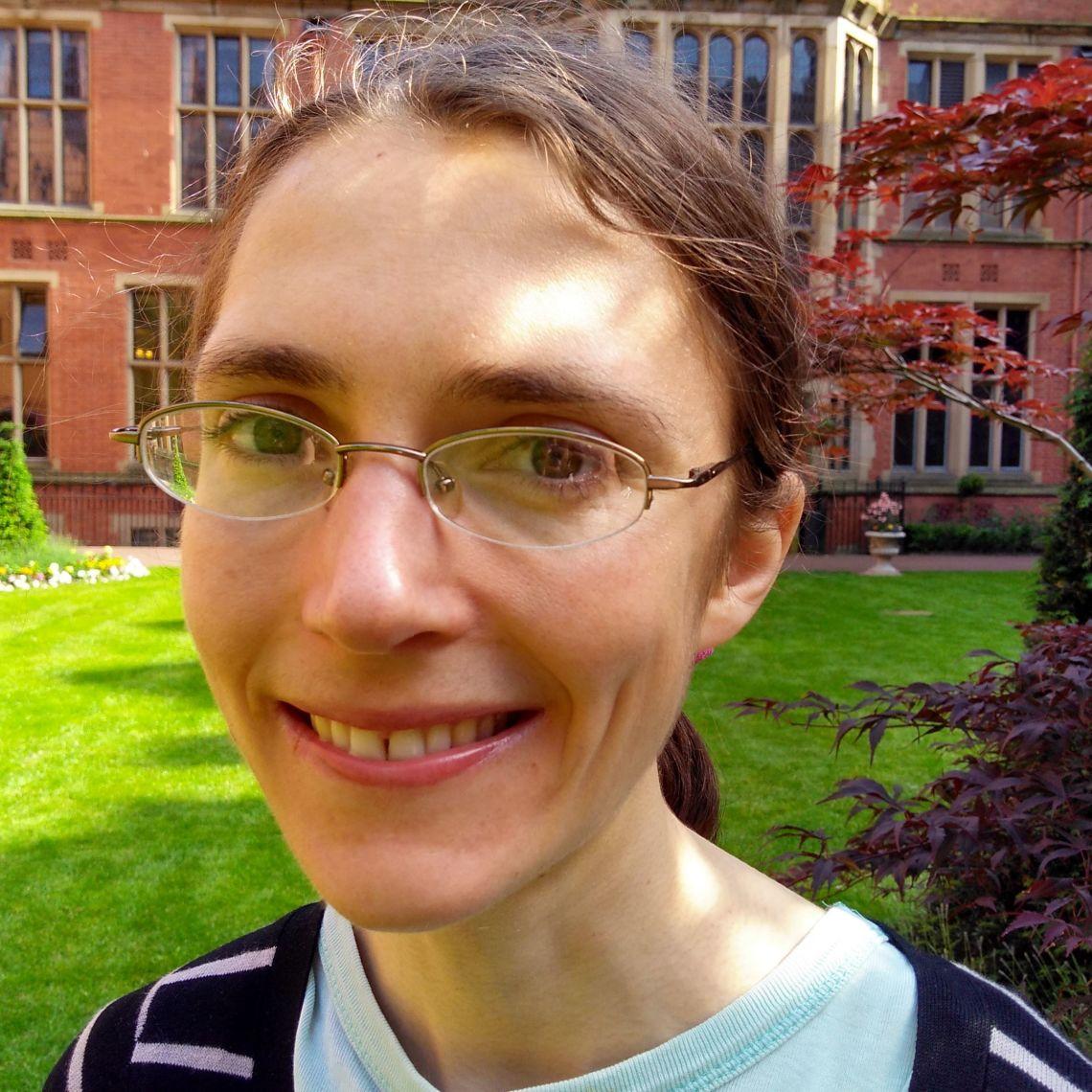 Dr Caroline Wood
