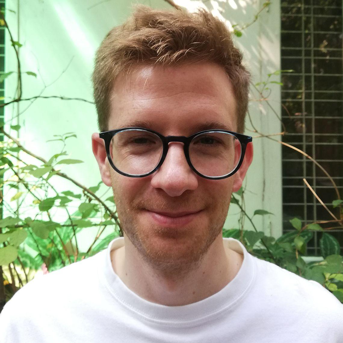 Dr Thomas Lamb