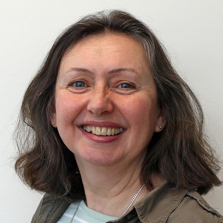 Dr Julie Burrett