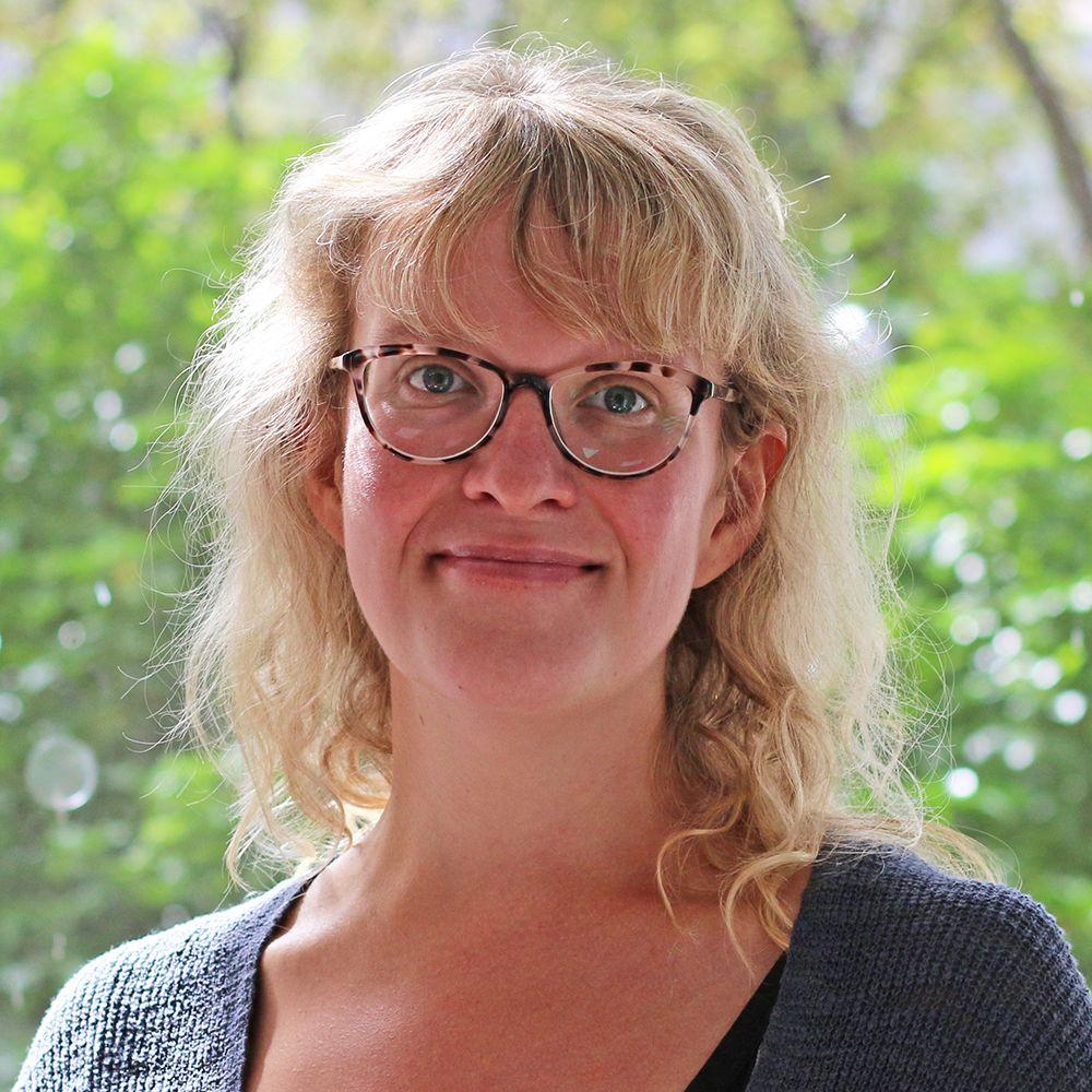 Dr Stephanie Ross