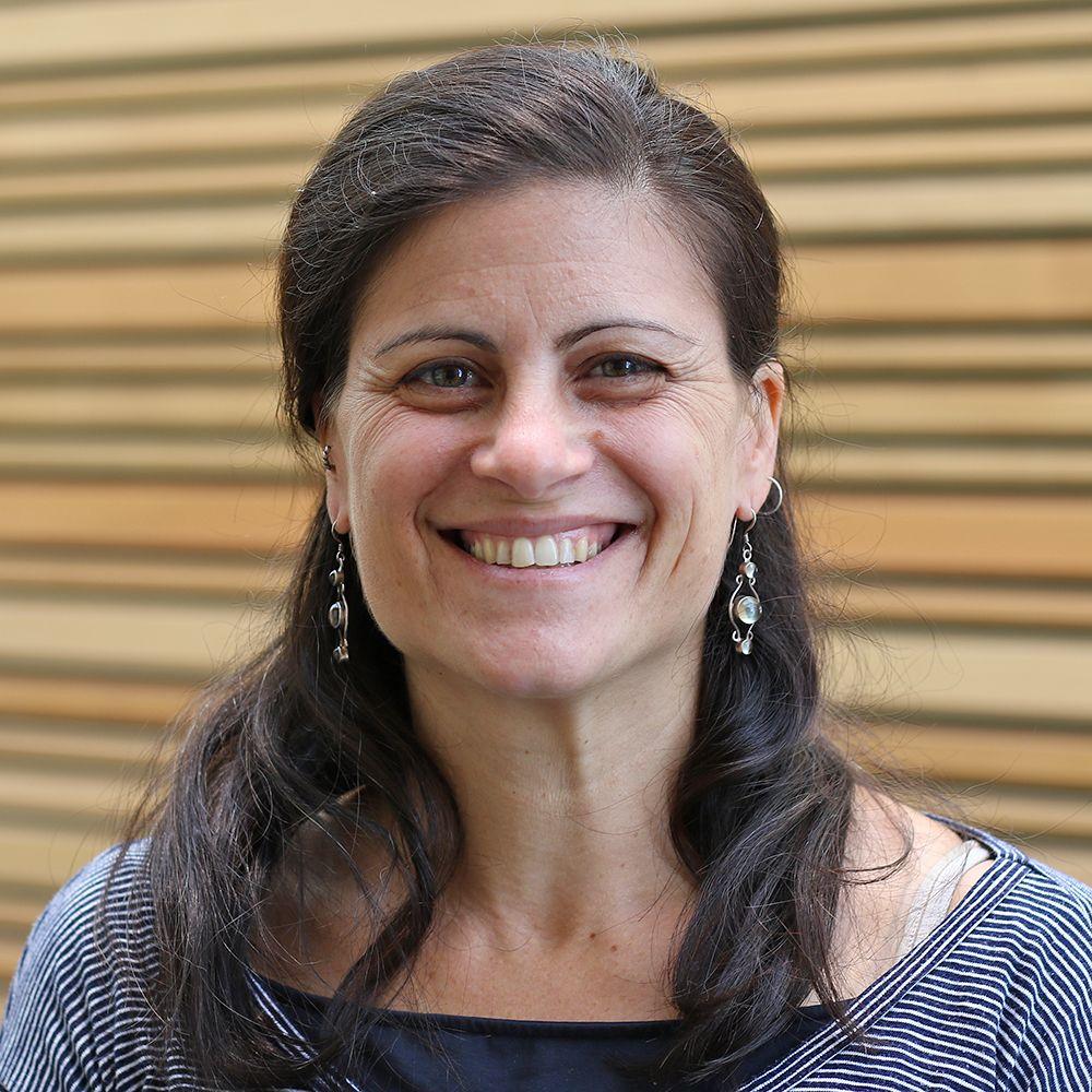 Dr Shelly Lachish