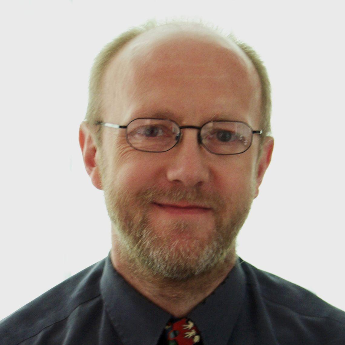 Dr David Dodwell