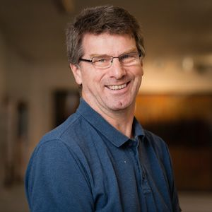 Simon Lewington