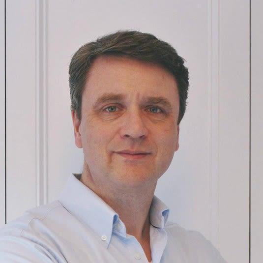 Stephen J Tucker