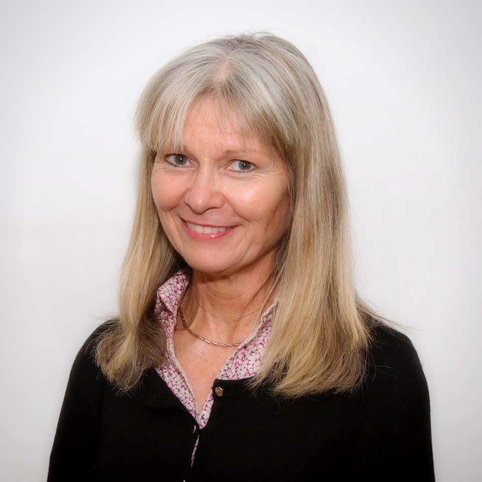Dr Christine A'Court