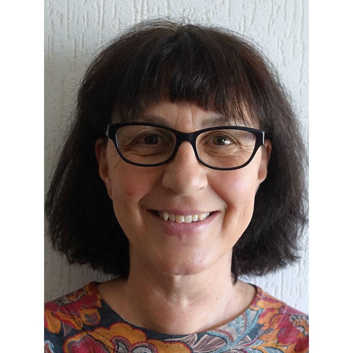 Dr Verena Carrara
