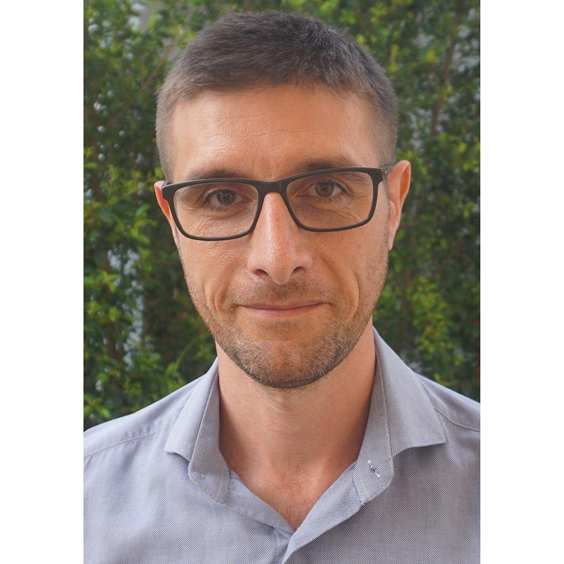 Dr Carlo Perrone