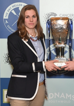 Isabell von Loga holding a trophy