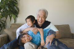 oldermanwithchildren_iStock_000020587966_Large.jpg