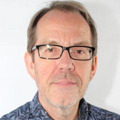 Andrew M Riley