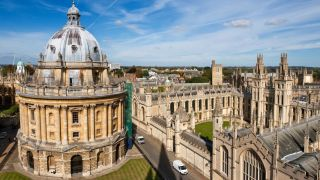 Oxford achieves HR Excellence in Research