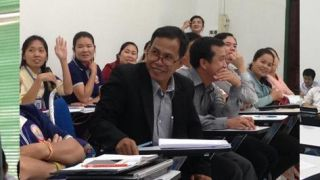 Cafe scientifique holds first vientiane session