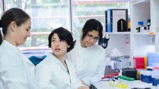 New project explores women2019s experiences of science