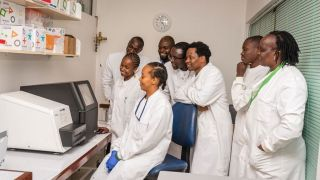 A new project at KEMRI Wellcome aims to bring high throughput pathogen sequencing and predictive models in East Africa. GeMVI plans to engage health authorities and institutes, identify priority questions and fund 20 Research Fellows on locally relevant projects. GeMVI will transfer sequencing technologies, share bioinformatic methods and develop modelling capacity, as well as generate new understanding through predictive modelling and virus sequence data.