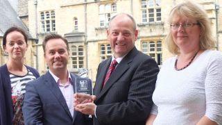 Russell Foster receives Nikken International Science Award