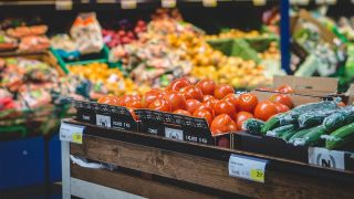 Supermarket interventions could play role in public health strategies study finds