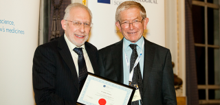 Dr Jeffrey Aronson receives his BPS Honorary Fellowship from BPS President Professor Humphrey Rang