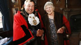 Former technician in physiology becomes Lord Mayor
