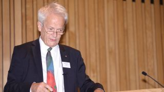 Sir Richard Peto Receives CDC Foundation Hero Award