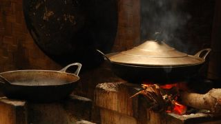 Burning wood or coal to cook increases risk of respiratory illness