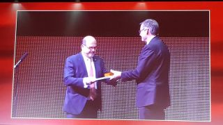 During the 34th Annual Congress of the European Association of Urology (EAU), the Head of NDS, Professor Freddie Hamdy, was awarded the prestigious Willy Gregoir Medal - the highest recognition conferred by the Association.