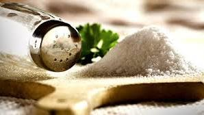 Is a low-salt diet beneficial for patients with heart failure?