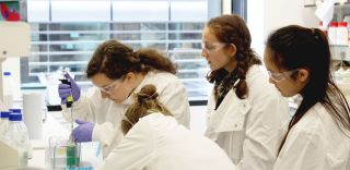 Girls pipetting 2