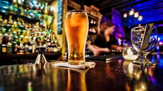 Moderate alcohol consumption does not protect against stroke