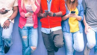 Study finds screen time 2013 even before bed 2013 has little impact on teen wellbeing