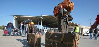 During the first 10 days of the crisis, some 70,000 people in Libya fled to Tunisia to escape violence
