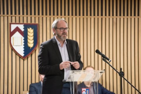 Professor Carl Heneghan speaking at an event