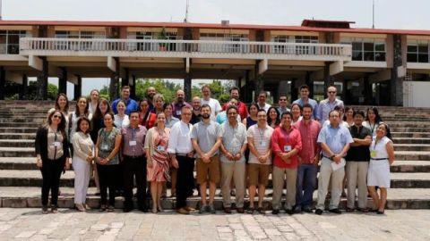 genomics-workshop-group-photo.jpg