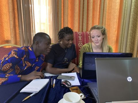 Erin Saupe with participants on the biodiversity training