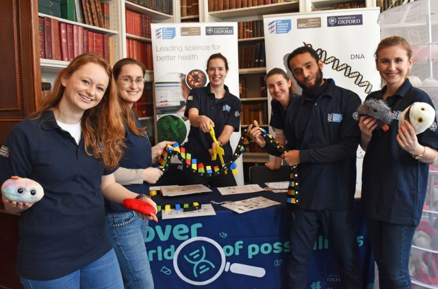 MRC WIMM Researchers at the Royal Institution Fun Day, February 2019
