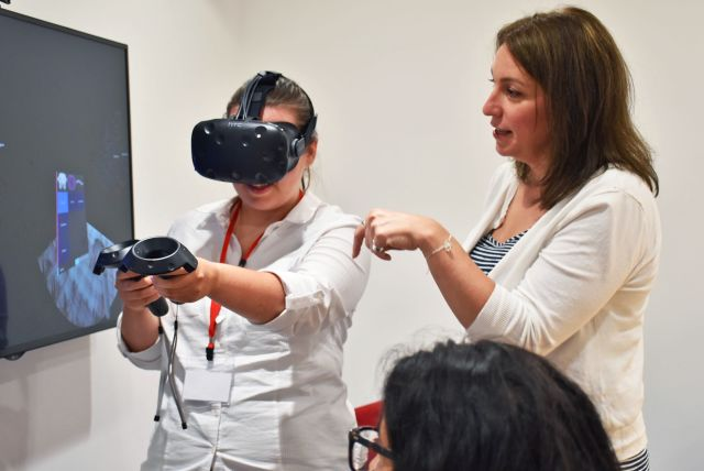 Learning about DNA folding and virtual reality in the MRC WIMM Centre for Computational Biology