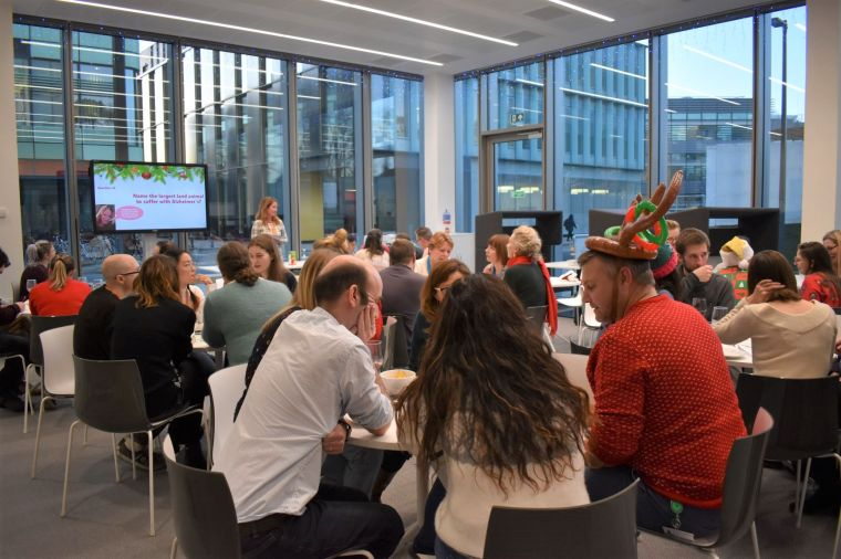 Christmas quiz at the BioEscalator