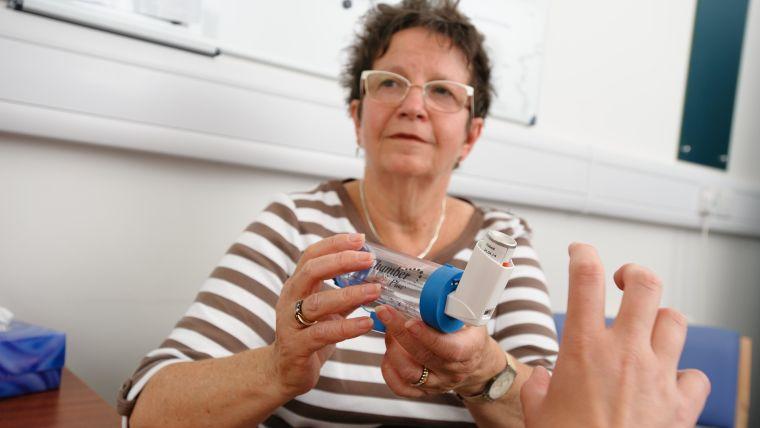 Patient with inhaler