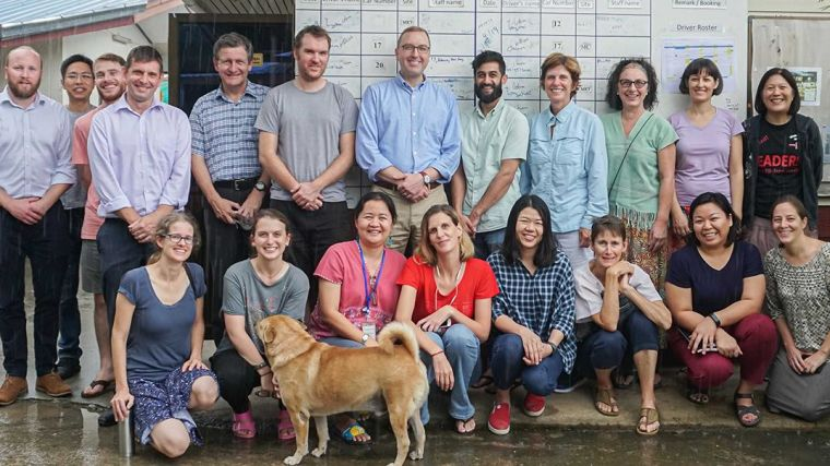 Group photo of Vice-Chancellor Louise Richardson visiting MORU and SMRU