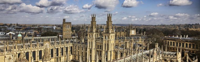 An photo of an Oxford University College.