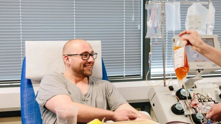 Volunteer donating plama for the RECOVERY trial