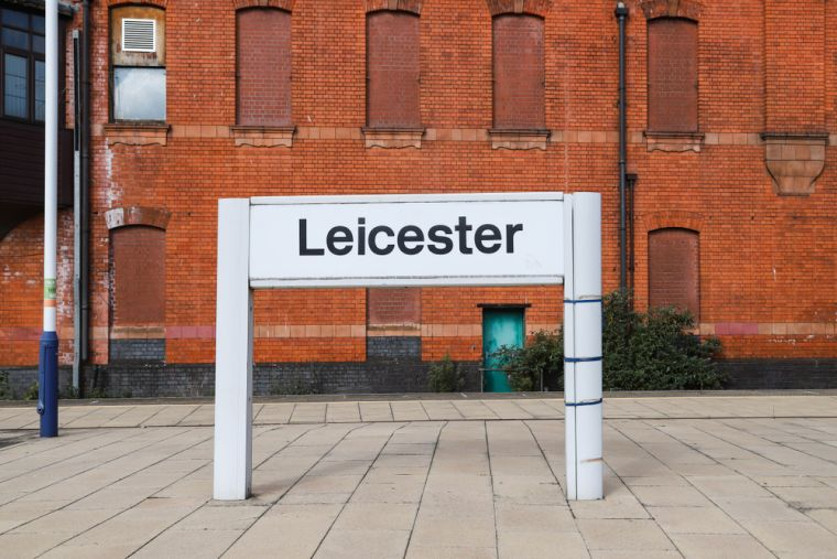 "A railway sign saying ""Leicester"""