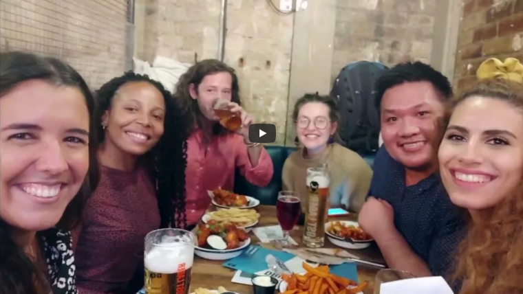 6 students of our MSc course on International Health and Tropical Medicine, enjoying a drink around a table in Oxford