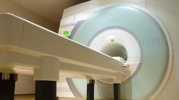We develop techniques and hardware on the Centre's 7 Tesla MRI scanner to offer neuroscientists exciting new possibilities to image the structure, function and biochemistry of the human brain.