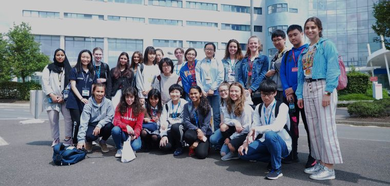 Group of international students outside the John Radcliffe Hospital