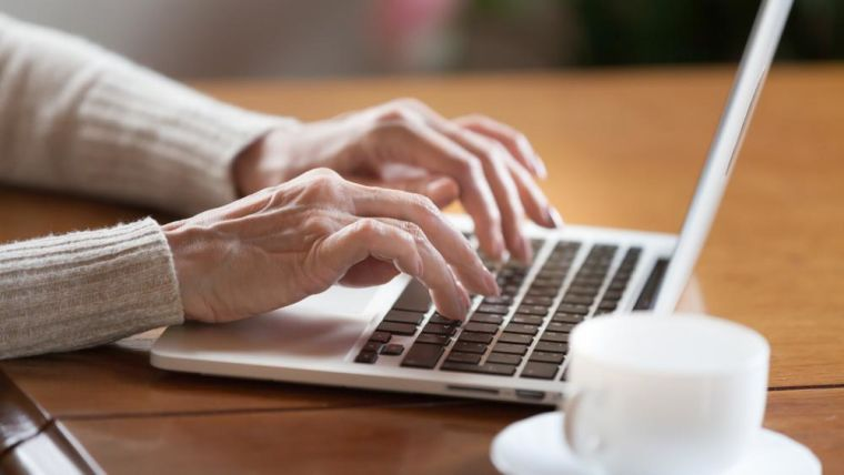 Only one in five doctors aware of patient feedback about their care online survey reveals