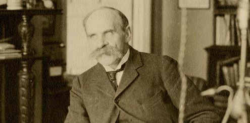 Sepia photograph of John Scott Haldane at his home.