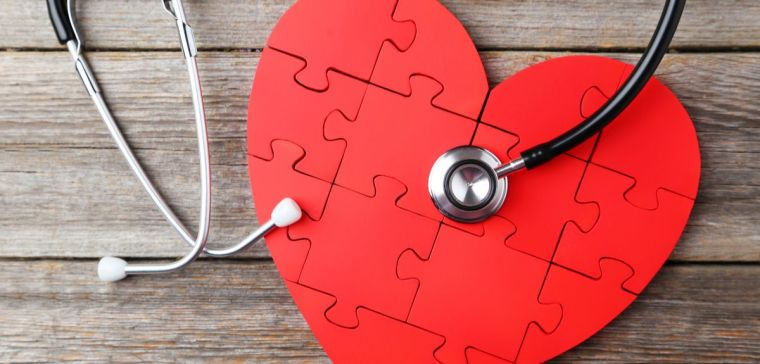 Smoking diabetes and high blood pressure put women at higher heart attack risk than men