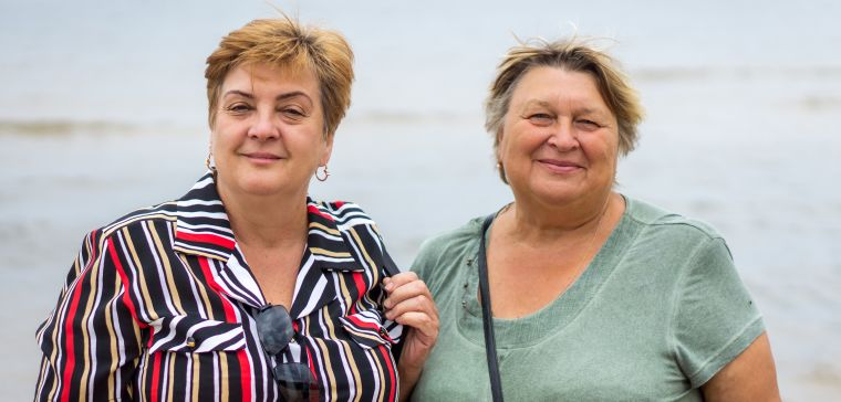 2 overweight middle-aged women