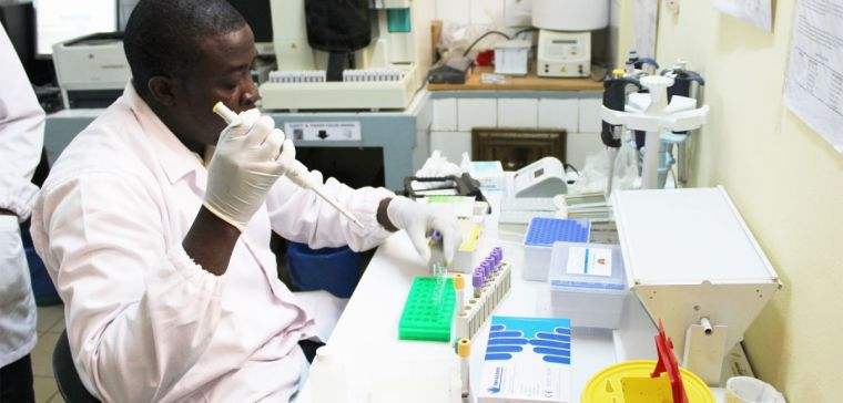 Technician working in the lab, Nanoro